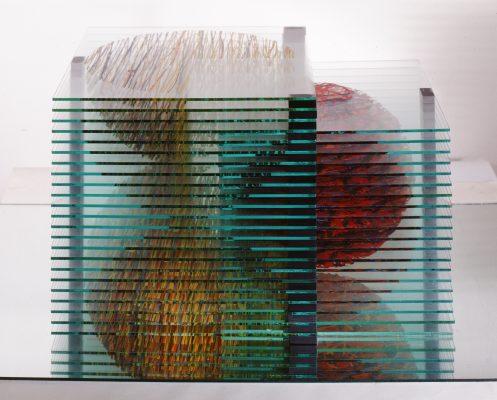 dvě či více — 2002<br>34 × 50 × 31 cm